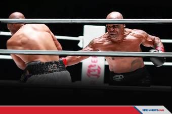 Statistik Compubox Buktikan Tyson Unggul Pukulan atas Jones Jr