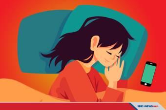 Empat Bahaya Tidur Dekat Ponsel, Salah Satunya Kanker