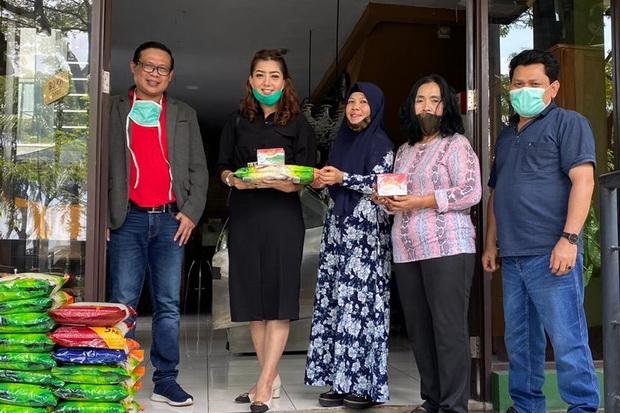 RBM dan Sahabat Novi Salurkan Bantuan bagi Warga Terdampak Corona