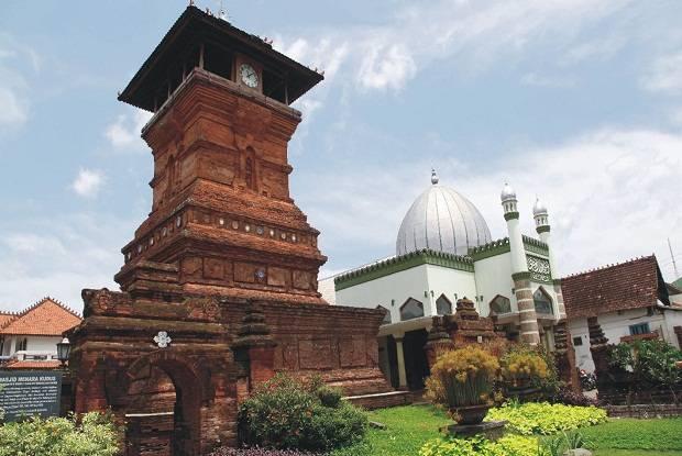 Wisata Religi Mengenal Masjid Tertua Di Indonesia