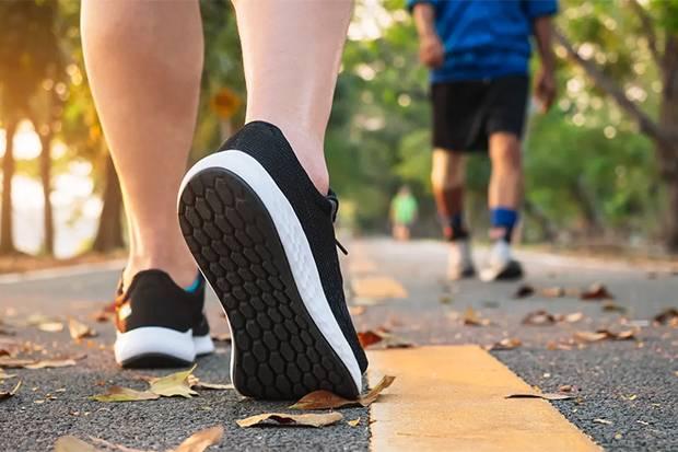 Studi: Orang yang Banyak Jalan Miliki Tekanan Darah Lebih Rendah