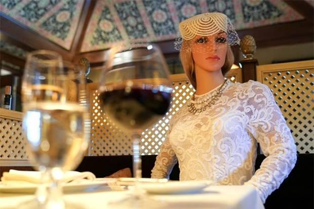 Restoran di AS Taruh Mannequin untuk Ciptakan Jarak Pengunjung