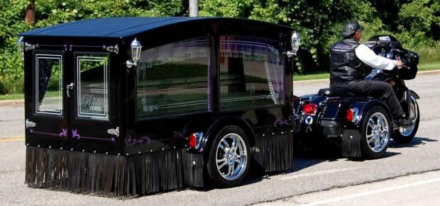 Harley Davidson Dimodifikasi untuk Mengantarkan Jenazah