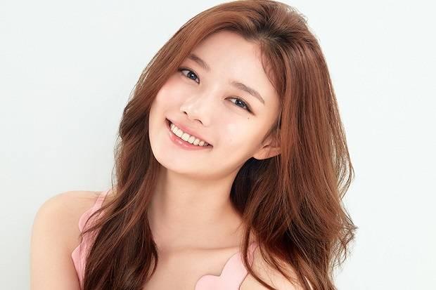 Kim Yoo Jung Senang Mainkan Tokoh Cewek yang Eksentrik