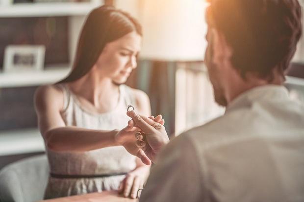 Takut Komitmen atau Menikah? Mungkin Anda Mengalami Gamophobia