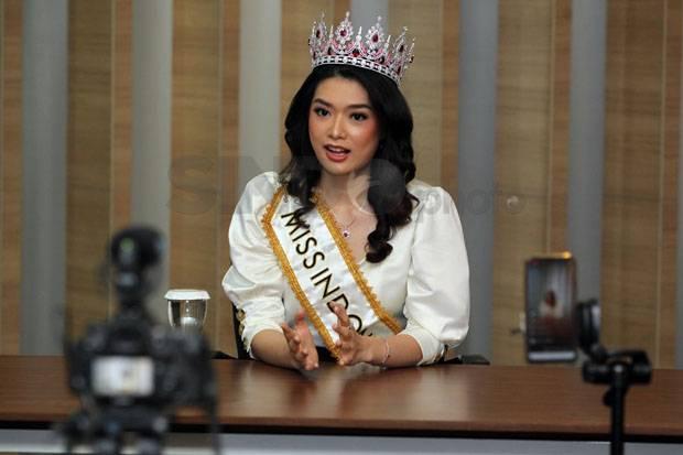 Miss Indonesia Carla Yules Aktif Berbagi Selama Pandemi Covid-19