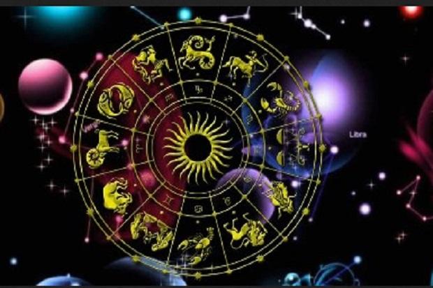 5 Astrologi yang Lebih Suka Kencan dengan Orang Cerdas daripada Cantik