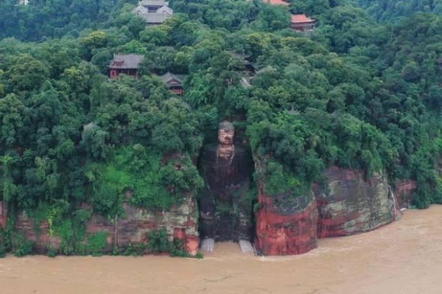 Banjir Genangi Situs Warisan Dunia, China Evakuasi 100.000 Orang