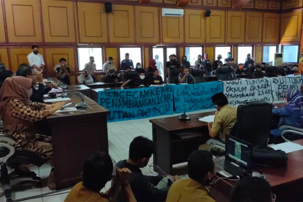 DPRD Didesak Buat Rekomendasi Tolak Tambang Emas Liar di Siguntu