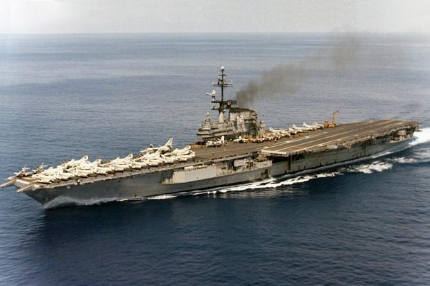 Kapal Perang Rusia Kuntit Kapal Induk AS setelah Masuk Laut Hitam