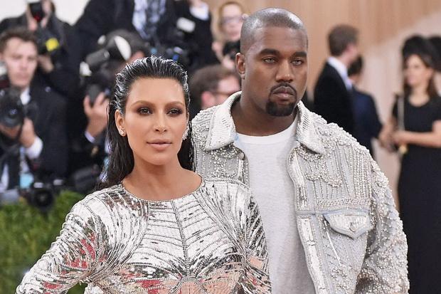 Kim Kardashian Dikabarkan Siap Ceraikan Kanye West
