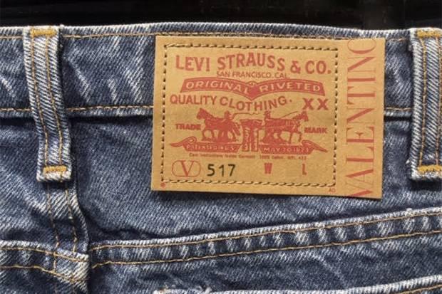 Label High End Valentino Buat Jeans Levi's Jadi Lebih Eksklusif