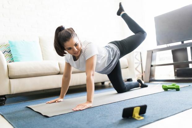 Tetap Bugar Dan Sehat Lakukan 4 Olahraga Ringan Ini Di Rumah