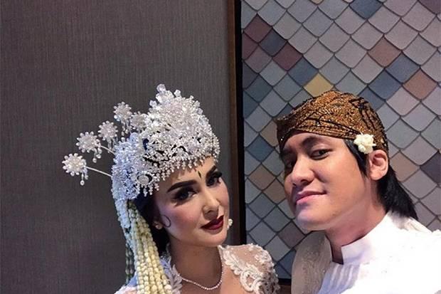 Pernikahan Online Kevin Aprilio dan Vicy Melanie, Tayang Live di Media Sosial