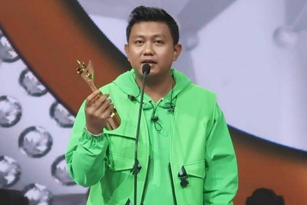 Viral di Jagat Maya, Denny Caknan Diganjar sebagai Penyanyi Dangdut Pria Paling di Hati