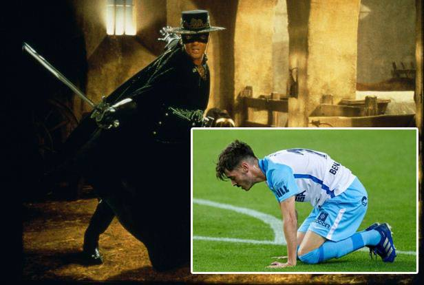 Si Zorro Antonio Banderas Teracuni Beli Saham Klub Malaga