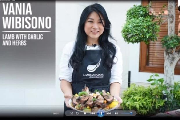 Domba Panggang Rempah Olahan Chef Vania Wibisono ini Rasanya Nagih Banget!