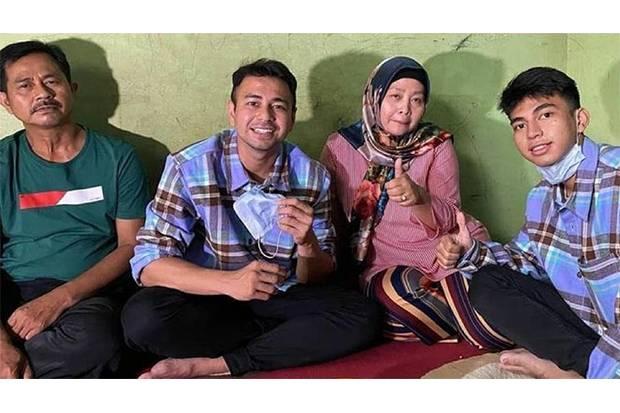 Raffi Ahmad Kaget Wajah Ayahnya Juga Mirip Ayah Dimas Ramadhan, sang Kembaran