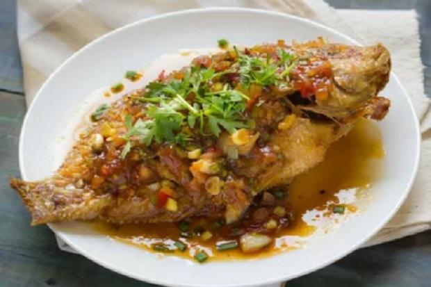 Mudahnya Mengolah Ikan Goreng Saus Thai, Ini Resepnya