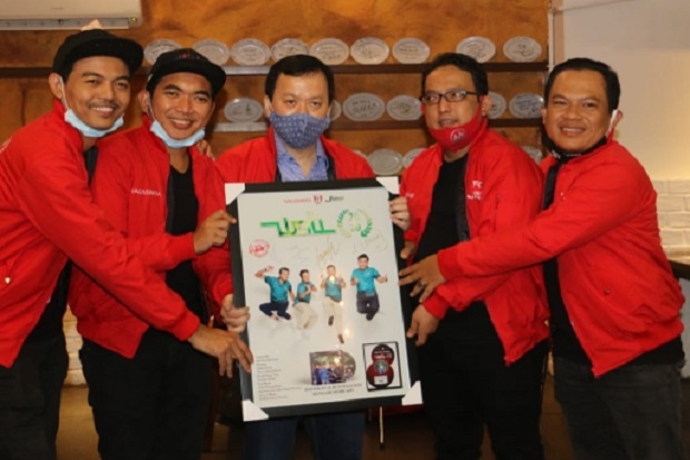 Band Wali Catat Rekor Multi Platinum Album Wali 20.20