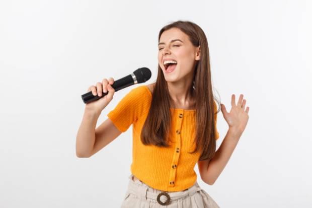 Menyanyi Bisa Menurunkan Risiko Demensia dan Memperpanjang Umur
