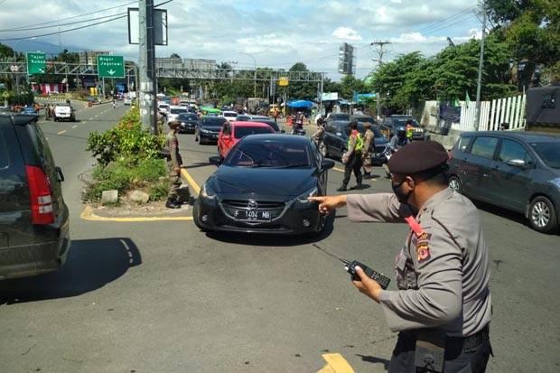 Tak Bawa Hasil Rapid Test Antigen Ribuan Kendaraan Wisatawan Ke Puncak Bogor Putar Balik