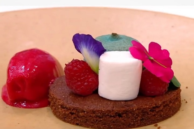 Akhirnya, Audrey Persembahkan Tribute Dessert untuk Almarhum Sahabatnya