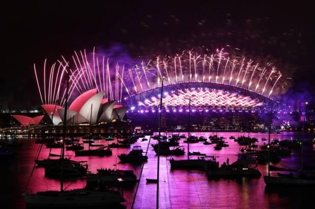 Sydney Memulai Perayaan Tahun Baru Dunia Saat 2021 Tiba