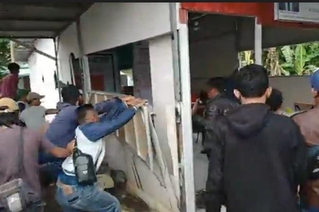 Warga Tanah Sareal Bogor Ngamuk, Tiga Kantor Ormas Diacak-acak