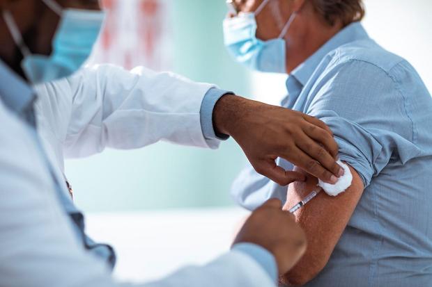 Vaksinasi COVID-19 Dilakukan 4 Tahap, Inilah Tahapannya!