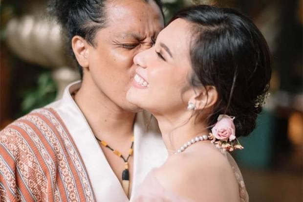 Sempat Berbohong, sang Ayah Diam-diam Restui Pernikahan Indah Permatasari dengan Arie Kriting