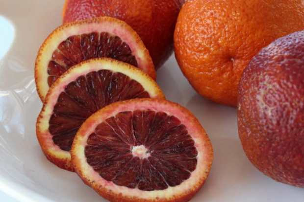 Kelola Kadar Gula Darah Diabetes Tipe 2 dengan Konsumsi Jeruk dan Tomat