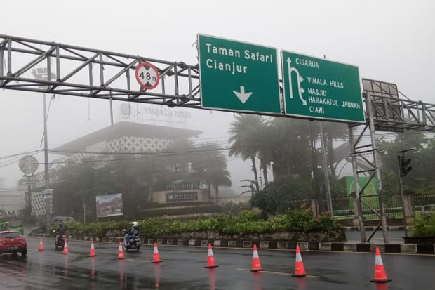 Kawasan Puncak Berkabut, Polisi Minta Pengendara Berhati-hati