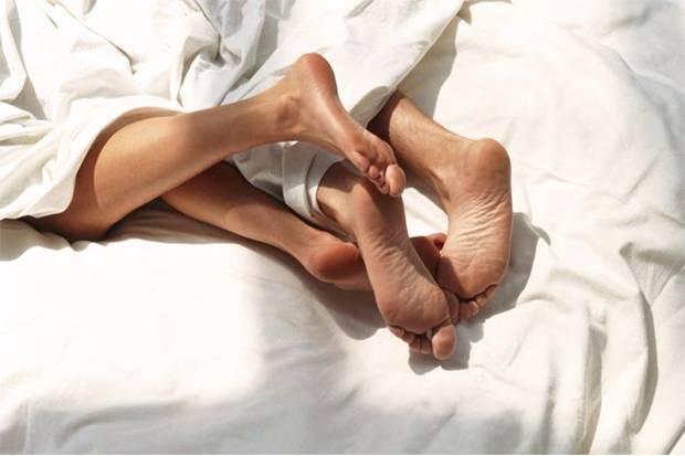 5 Posisi Seks yang Bisa Sebabkan Cedera