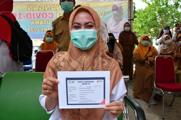 Indah Putri Indriani Jadi Penerima Pertama Vaksin Covid-19 di Luwu Utara