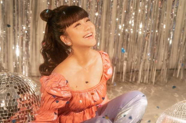 Halu Bareng Boy William, Ghea Indrawari Luncurkan Single Terbarunya: Bucket List