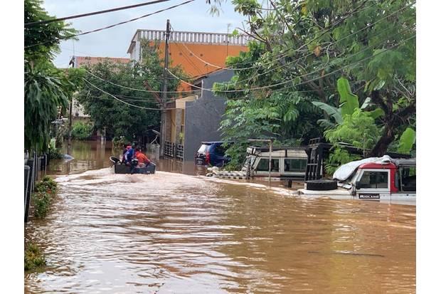 Orang Tua Fokus Selamatkan Harta, Bocah 9 Tahun Tewas Terseret Banjir di Bekasi