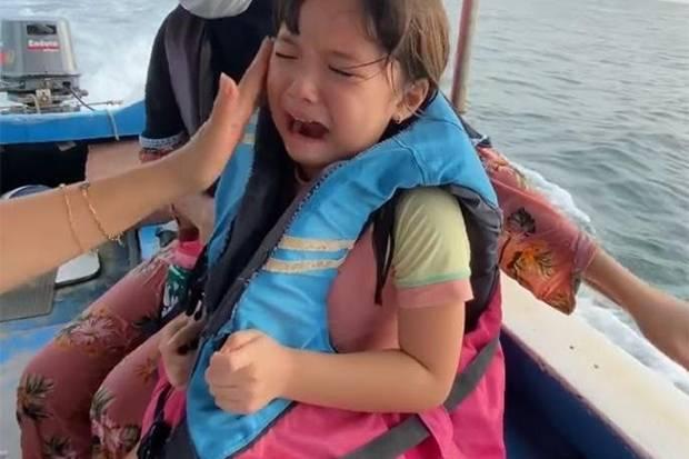 Takut Bencana Alam, Gempi Nangis Sejadi-jadinya saat Diajak Gisel Naik Perahu