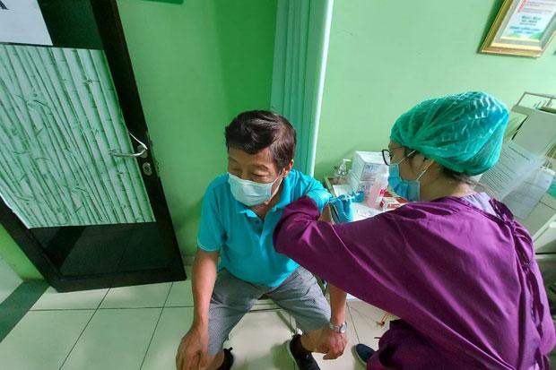 Pemkot Jakut: 9.087 Lansia Sudah Mendaftar Vaksin Covid-19