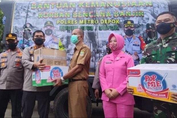 Bantu Korban Banjir, Polres Depok dan Kodim 0508 Salurkan Bantuan Logistik