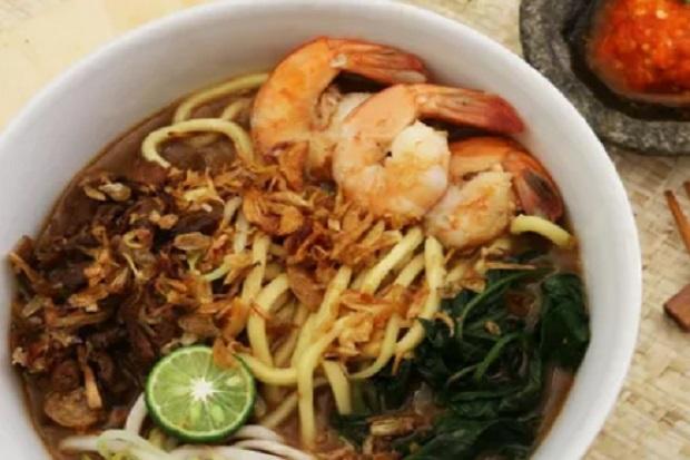 Resep Mie Kangkung, Makanan Khas Betawi dengan Kuah Kental