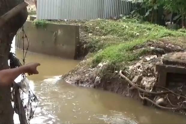 Jembatan Penghubung di RW 04 Cipinang Melayu Ambruk, Akses Warga Terputus