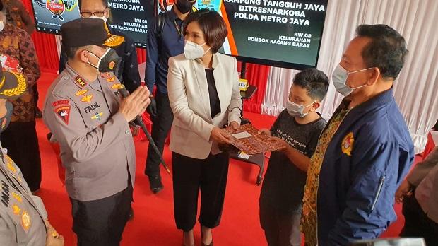Kapolda Metro Apresiasi Master Trust Law Firm Peduli Beasiswa Korban Covid-19