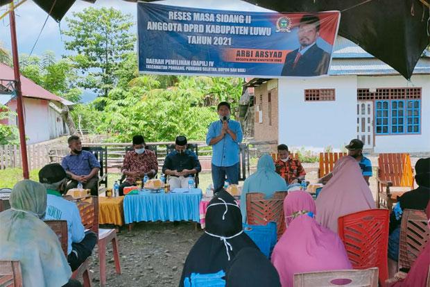 Di Reses Anggota DPRD, Warga Desa Raja Luwu Minta Pengaspalan Jalan
