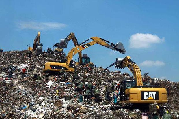 Gunung Sampah TPST Bantar Gebang Kian Tinggi, DKI Klaim Volume Sampah Berkurang