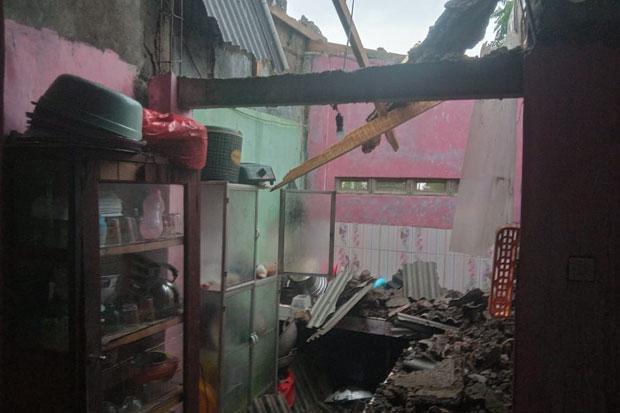 Dihantam Angin Kencang, Puluhan Rumah di Megamendung dan Babakan Madang Rusak
