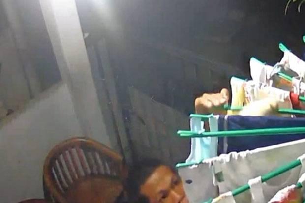 Satroni Rumah Mamah Muda, Pemuda di Cakung Gasak BH dan Celana Dalam