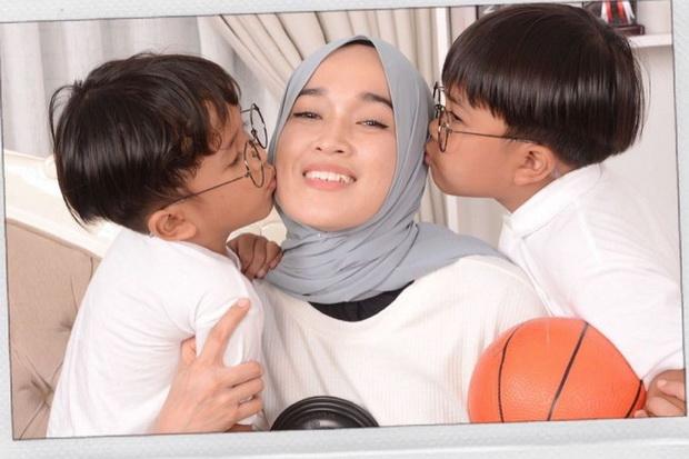 Sudah Ikhlas Berpisah, Ririe Fairus Minta Netizen Setop Hujat Nissa dan Ayus Sabyan