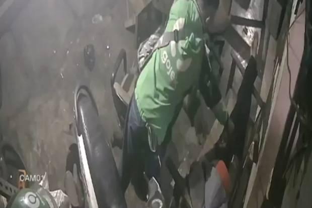 Pencuri Beratribut Ojol Gasak HP yang Dipegang Penjaga Bengkel