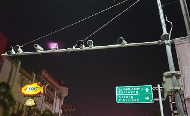 10 Kamera Tilang Elektronik ETLE Monitor Pengendara di Bekasi